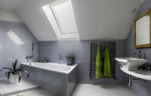 Tiled Bath Tub